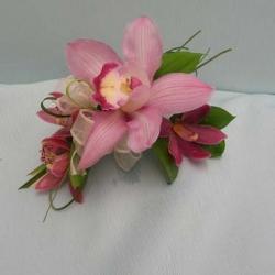 Flowers to wear (12)