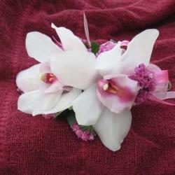 Flowers to wear (26)